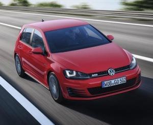 Volkswagen-Golf-GTD_352
