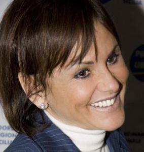 Sen. Simona Vicari SENATRICE DELLA REPUBBLICA - NUOVO CENTRODESTRA - SOTTOSEGRETARIO DI STATO AL MINISTERO PER LO SVILUPPO ECONOMICO