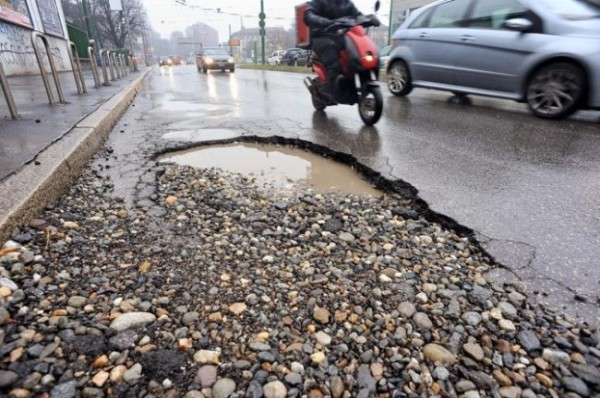 incidenti-stradali-il-60-dovuti-allo-stato-di-strade-e-segnaletica_1