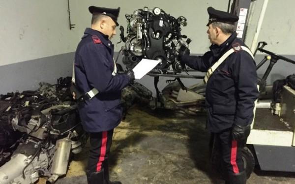 carabinieri-e-motore-rubato