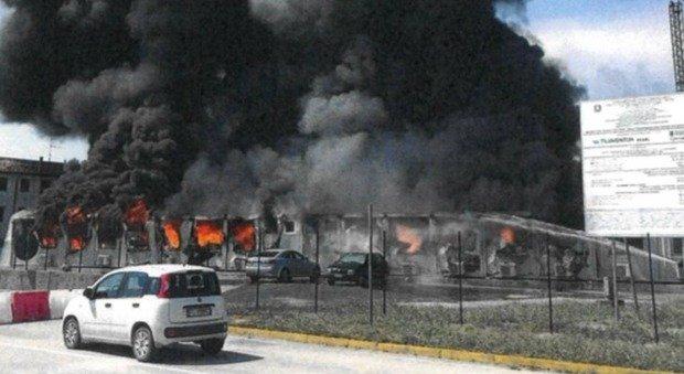 Incendio nel cantiere della terza corsia: 21 dipendenti da oltre due anni in attesa dei risarcimenti
